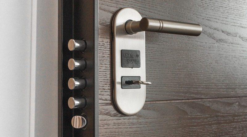 Jak vybrat kliky a kování dveří